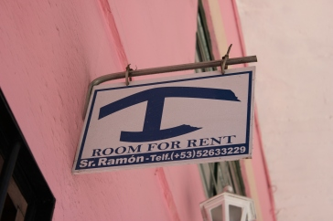 """Room for rent"" sign you should be looking for"